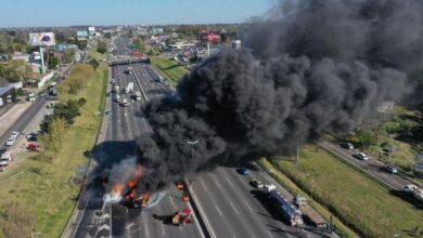 Photo of Explotó un camión en Panamericana, altura Ruta 202