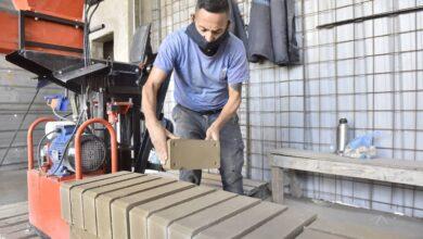 Photo of En Malvinas Argentinas se fabrican mil ladrillos para proyectos municipales